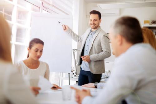Betriebswirte im Meeting